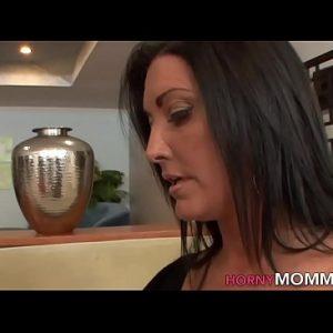 Geile stiefmoeder beft tiener dochter