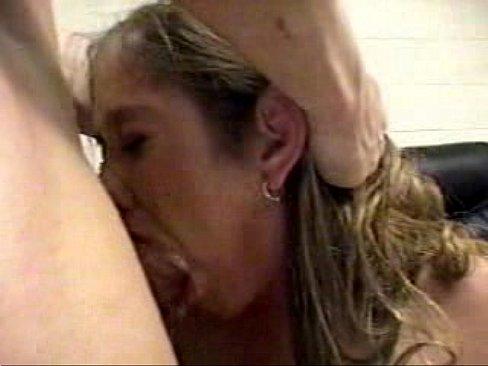 Lul diep in haar bek
